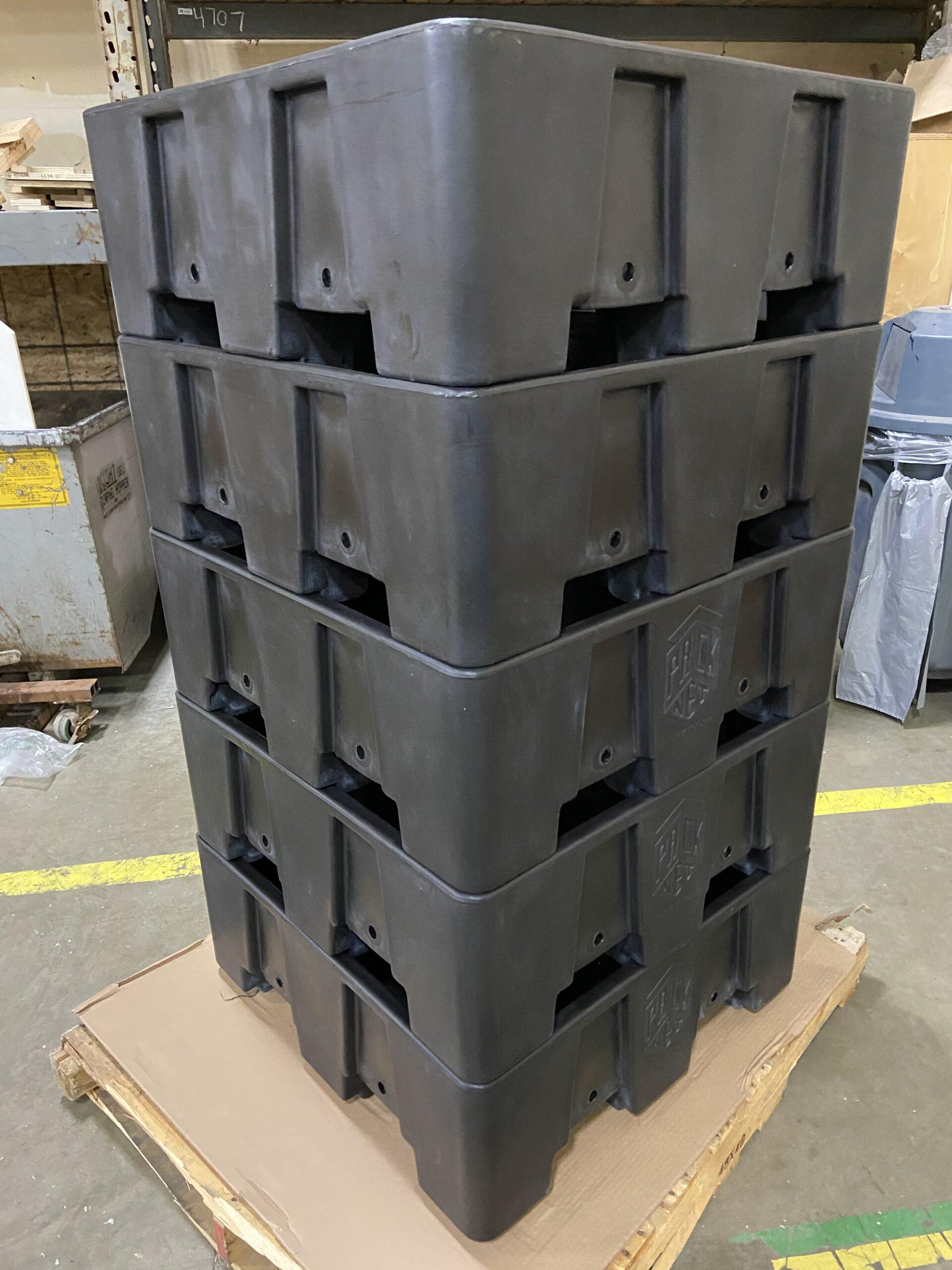 Bulk stacking storage bins